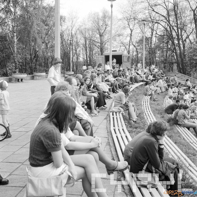 Park Tysiaclecia Amfiteatr - 30 lat Gazeta Poznanska 10.05.75  Foto: Stanisław Wiktor / Cyryl
