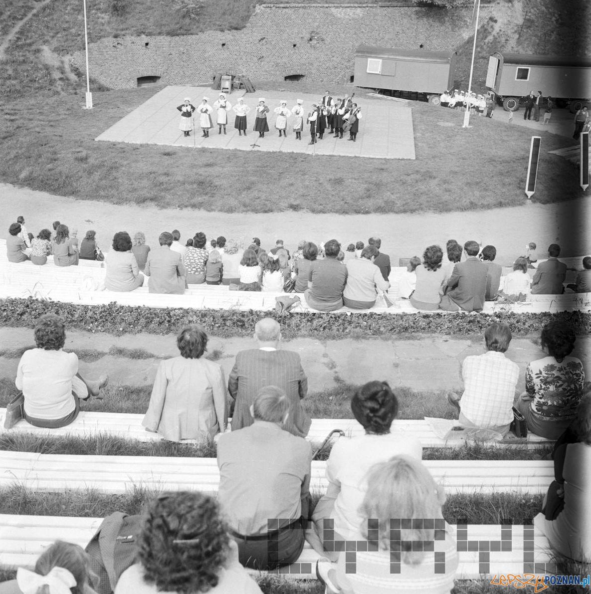 Amfiteatr Cytadela wystep 30 lat Gazeta Poznanska 10.05.75