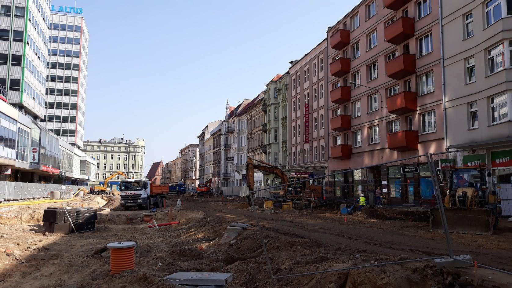 Budowa ul. Św. Marcin - kwiecień 2018  Foto: lepszyPOZNAN / gsm