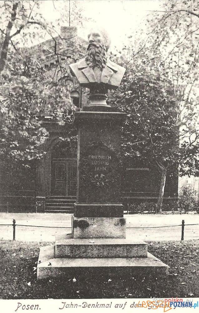 Pomnik Friedricha Ludwiga Jahna – Zielone Ogródki