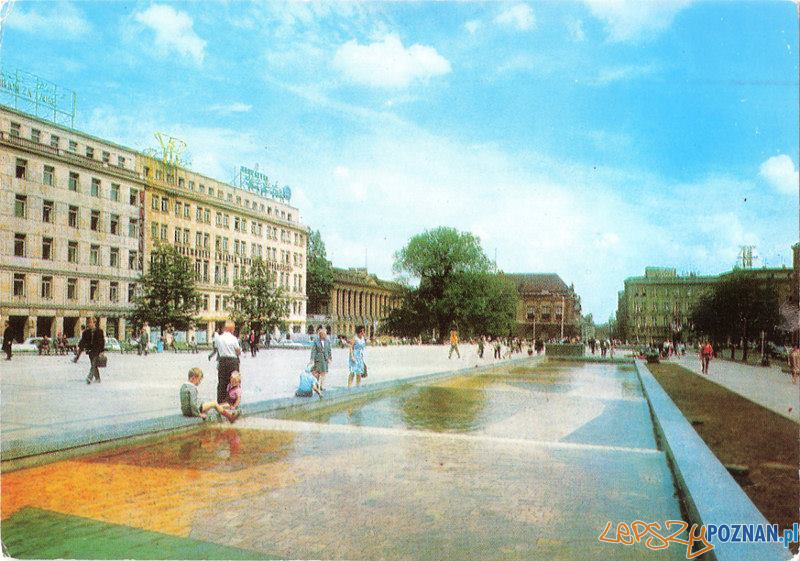 Plac Wolności 1974  Foto: K Jablonski / pocztówka KAW /fotopolska