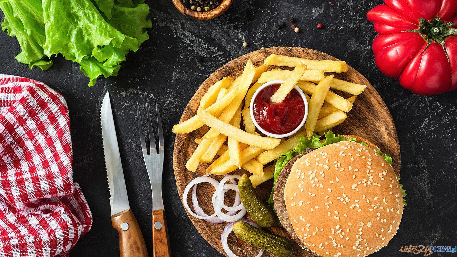 Hamburgery - Burgery - kto najczęściej zamawia  Foto: piza portal / materiały prasowe