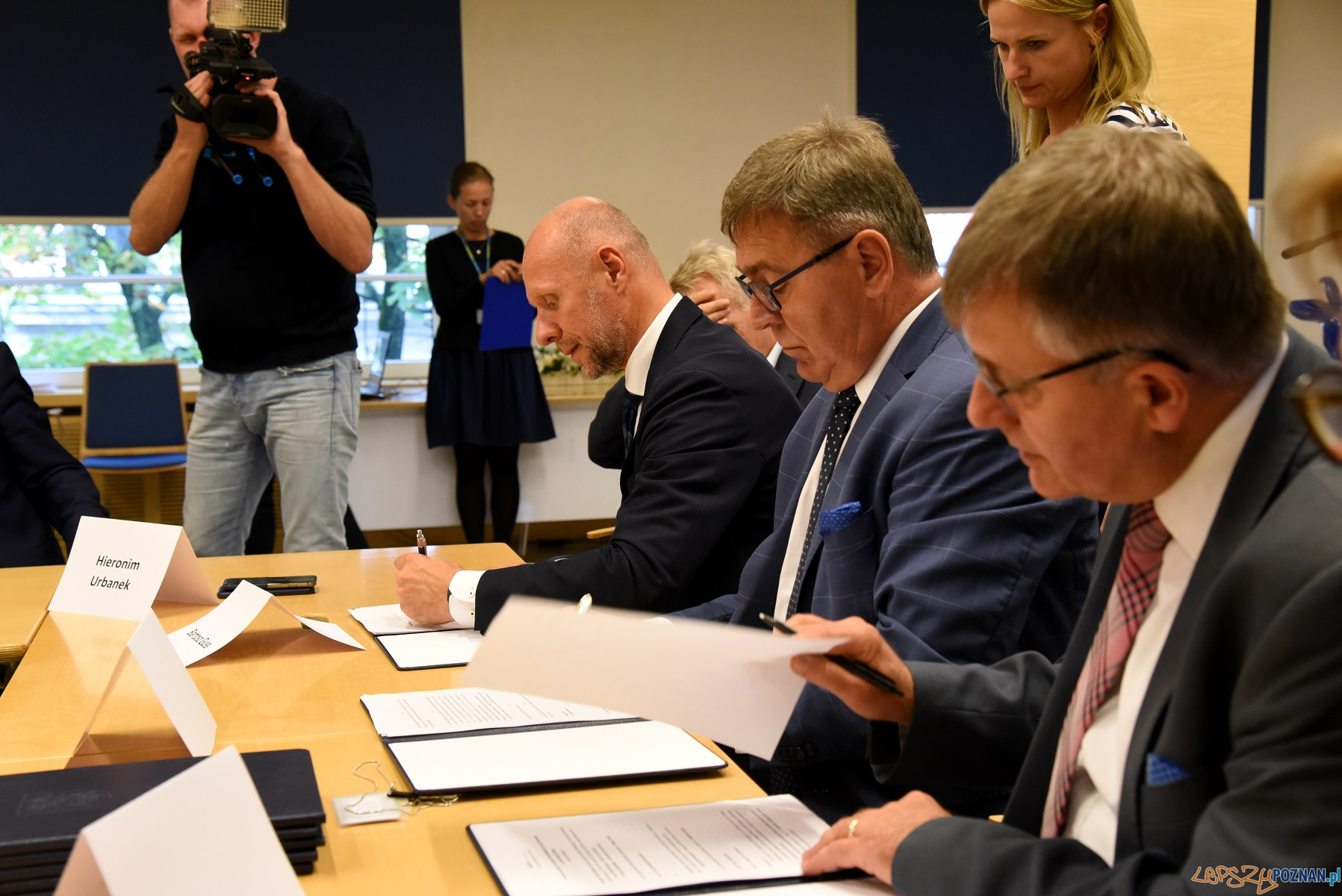 Podpisanie porozumienia w sprawie PKS  Foto: materiały prasowe / UMP